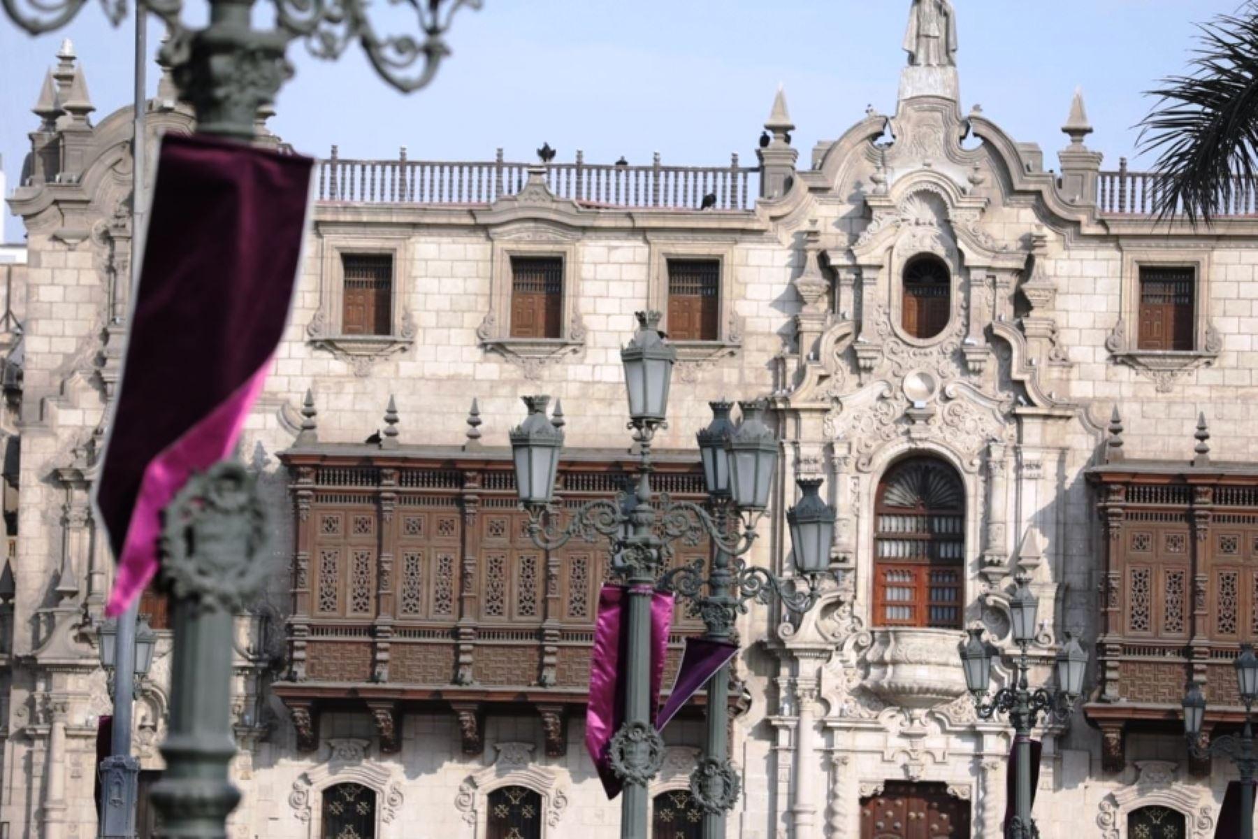 Señor de los Milagros: Plaza de Armas se viste de morado en su honor. Foto: ANDINA/Difusión.