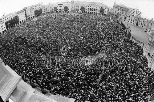 Archivo Histórico: La tradicional procesión del Señor de los Milagros