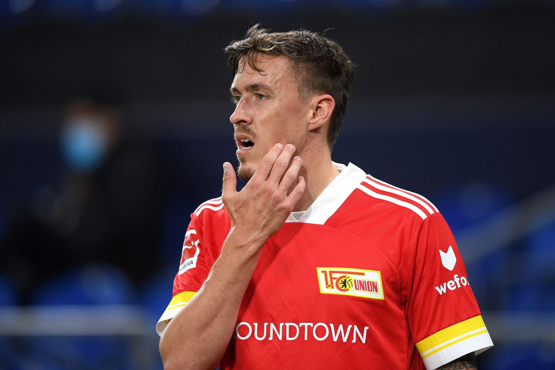 Sebastian Andersson del 1 FC Union Berlin reacciona durante el partido de la Bundesliga en Veltins-Arena en Gelsenkirchen, Alemania. Foto: EFE