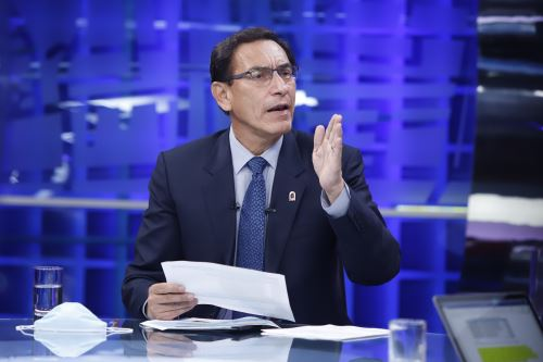 Presidente Martin Vizcarra brinda entrevista al programa Cuarto Poder
