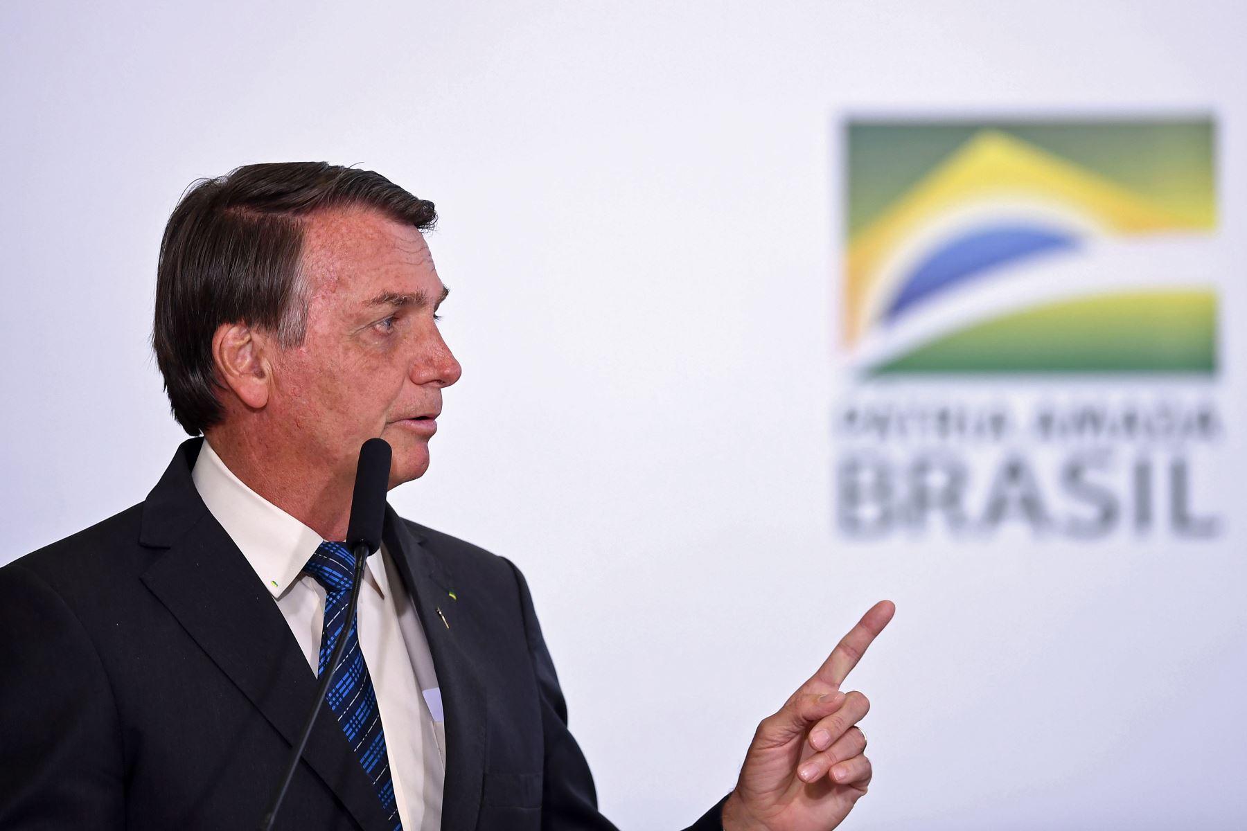 Bolsonaro afirma que vacuna contra covid-19 no será obligatoria en Brasil | Noticias
