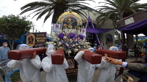 EsSalud Almenara rinde homenaje al Señor de los Milagros