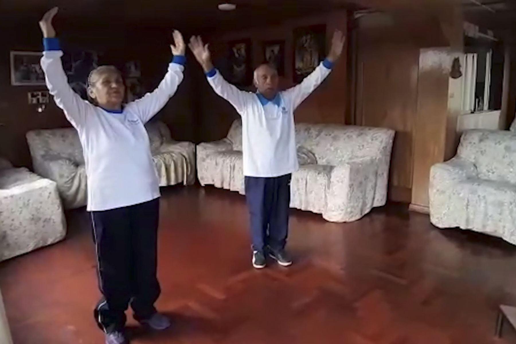 Promueven bailoterapia para ejercitar la memoria y fortalecer músculos de adultos mayores | Noticias