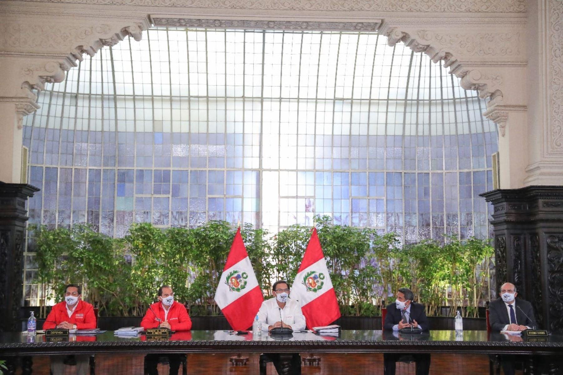 Participan de la presentación el presidente Martín Vizcarra, el premier Walter Martos y otras autoridades. Foto: ANDINA/ Prensa Presidencia
