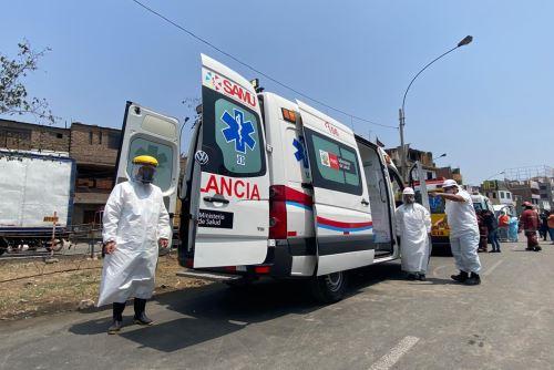 Minsa instala centro de atención de emergencia en lugar del incendio de SJL