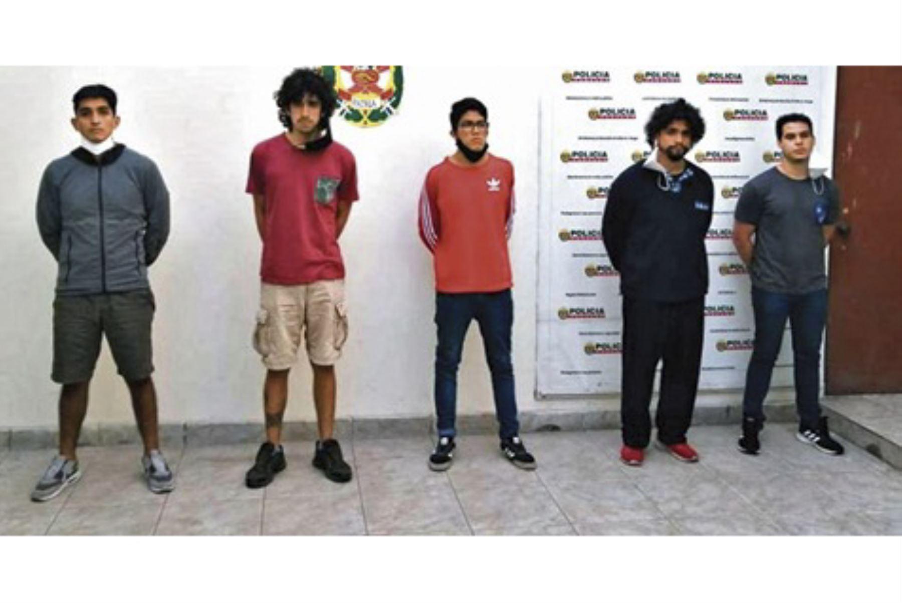 Estos son los cinco acusados de violar sexualmente a una joven de 21 años en una vivienda de Surco. ANDINA/Difusión