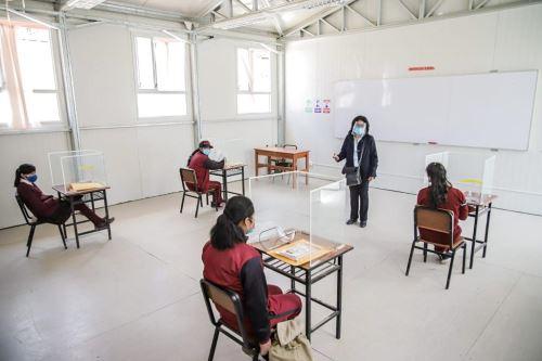 Covid-19: escolares de Arequipa reanudan clases presenciales