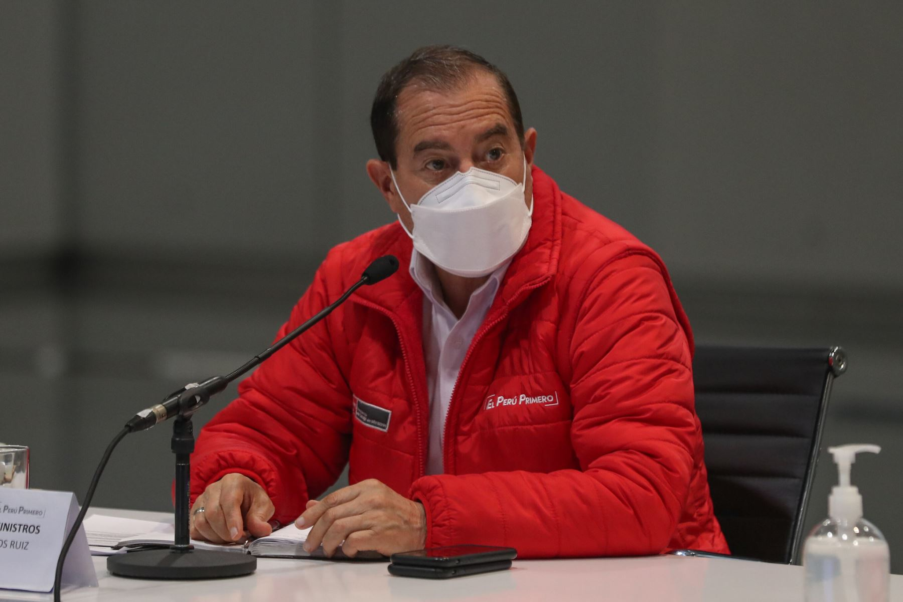 Presidente del Consejo de Ministros, Walter Martos, se reunió con el consejo directivo de la Asamblea Nacional de Gobiernos Regionales. Foto. PCM