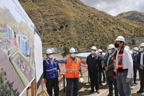 Presidente Vizcarra supervisa obras para fortalecer servicios de salud en Huancavelica