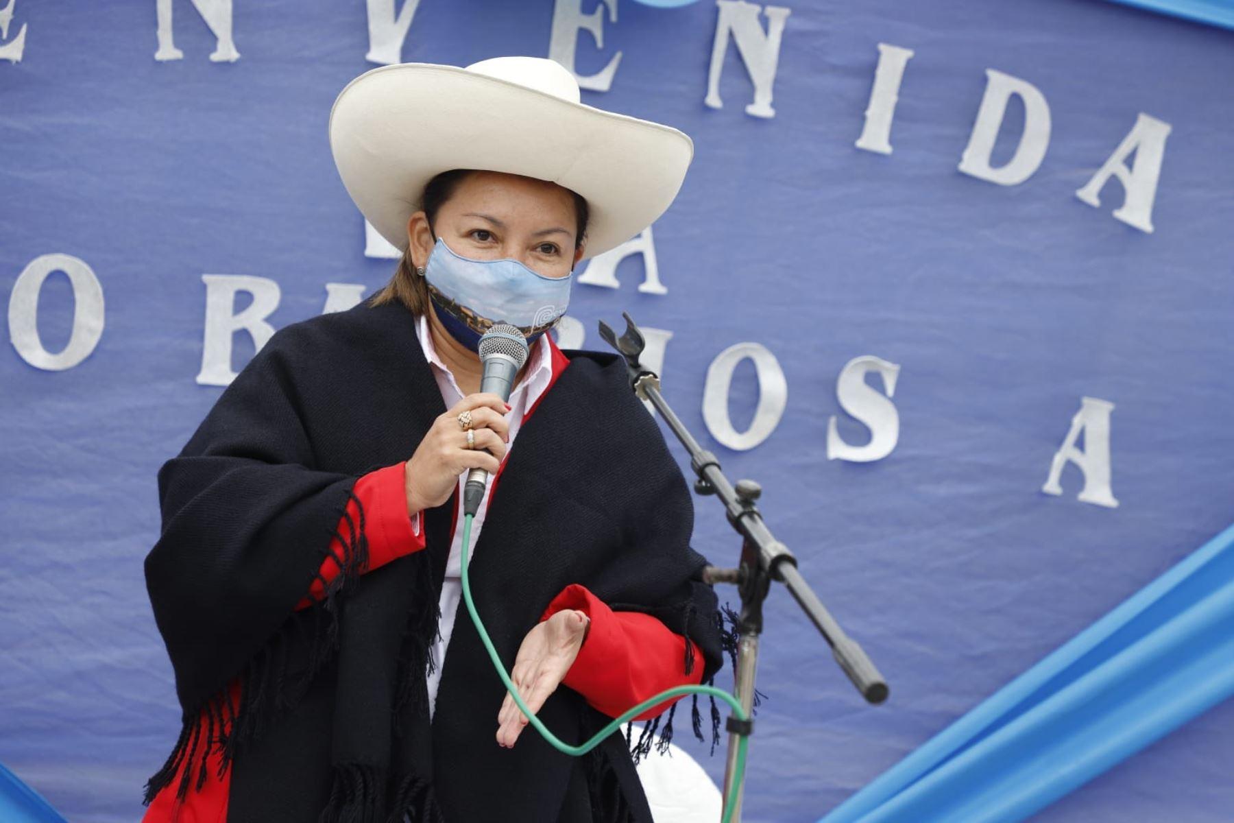 La ministra de Comercio Exterior y Turismo, Rocío Barrios, llegó hoy al distrito de Querocoto (Cajamarca) con el objetivo de iniciar un trabajo articulado que permita promover sus atractivos turísticos, y de esta manera, impulsar su desarrollo económico. Foto: Mincetur