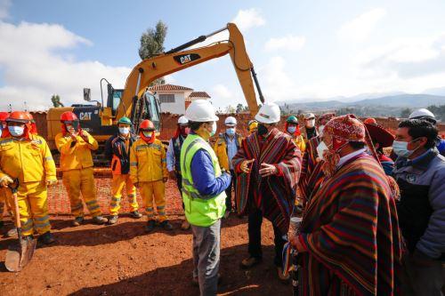 Ministro de Vivienda supervisó trabajos de mejoramiento y ampliación de servicios de agua y alcantarillado en la región Cusco.