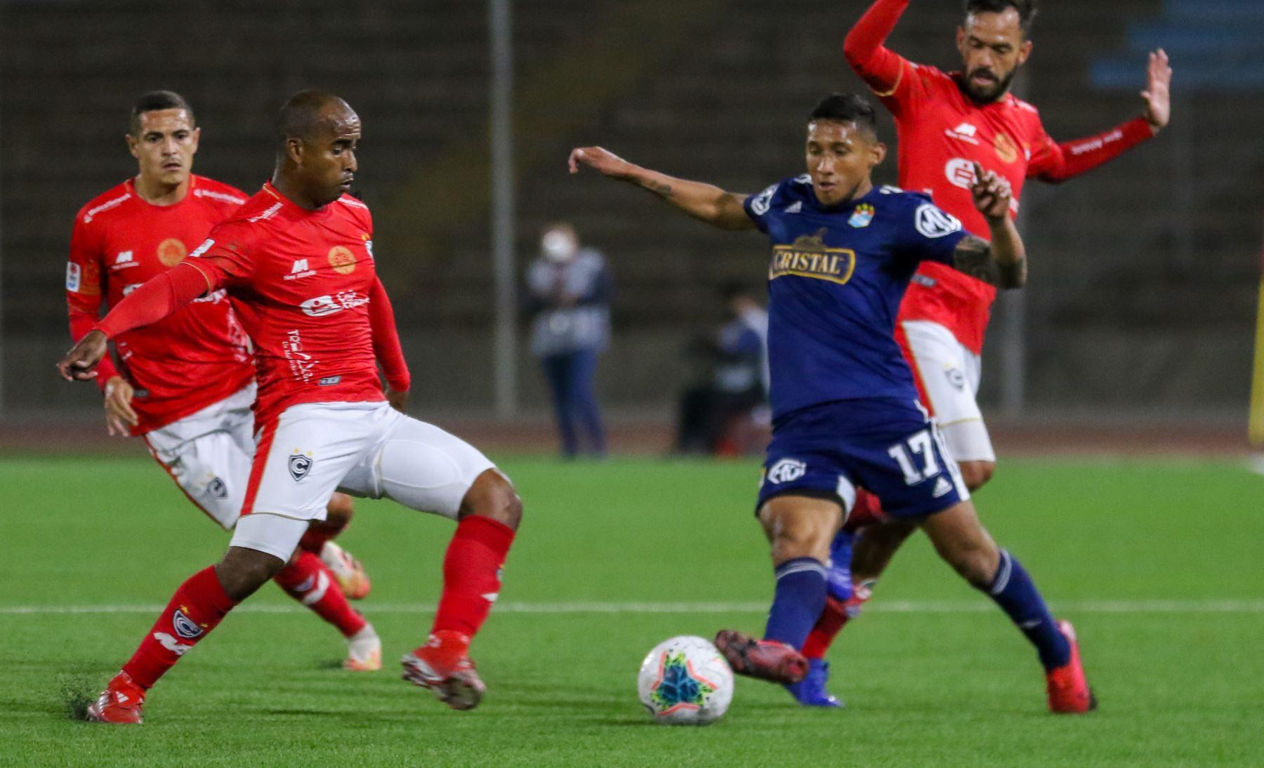 Club Cienciano gana 1 a 0 al Sporting Cristal,  en partido de la fecha 1 Fase 2 de la Liga Movistar, en el estadio UNMSM. Foto: ANDINA/ Liga 1