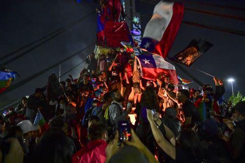 Chile aprueba por amplia mayoría la redacción de una nueva Constitución
