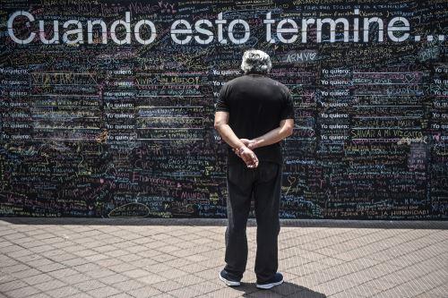 """El """"Muro de la Esperanza"""": peruanos plasman sueños a cumplir cuando culmine la pandemia"""