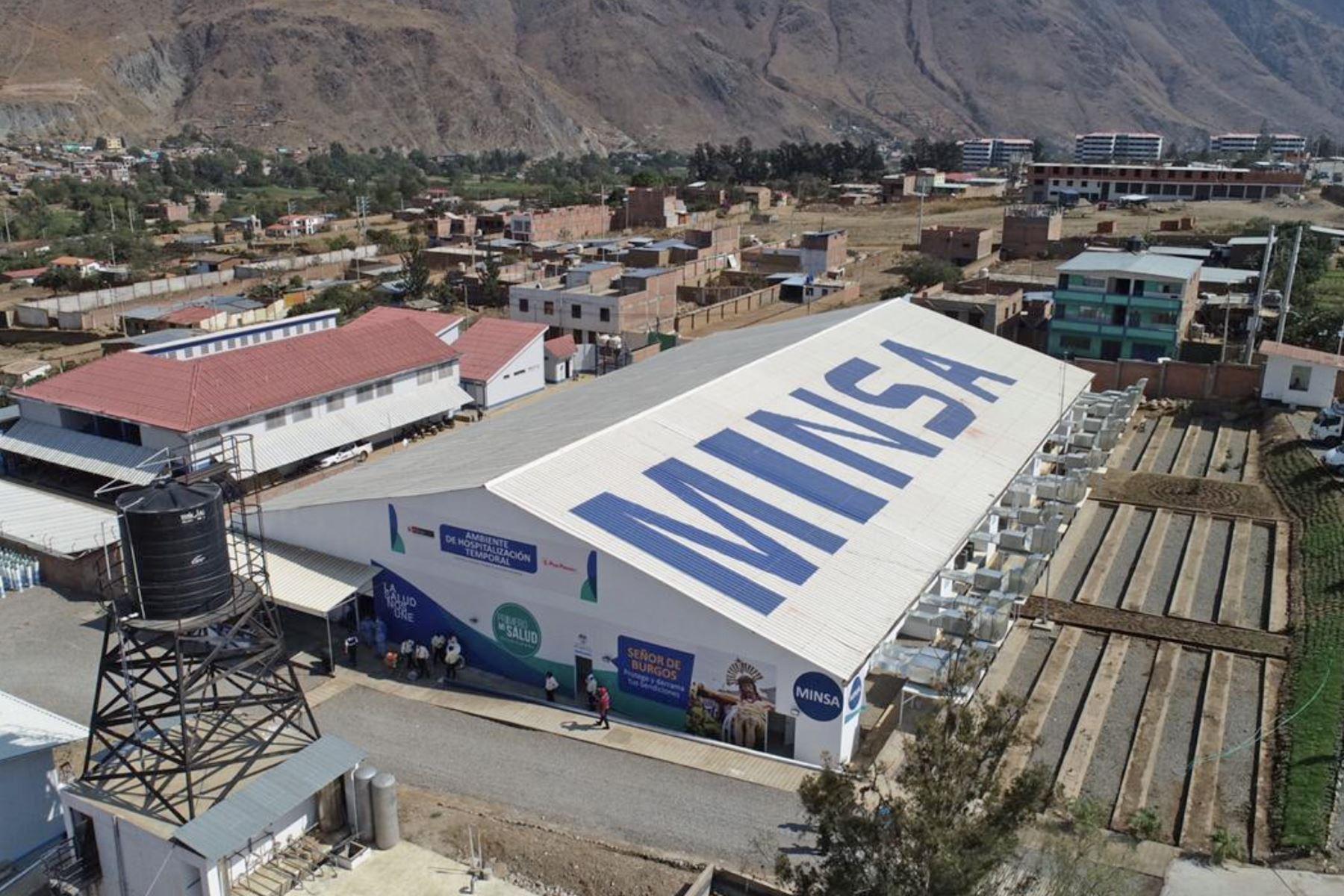 Centro de Aislamiento Temporal y planta de oxígeno en Huánuco.