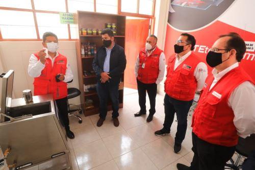 Ministro José Salardi recorre el CITE textil Camélidos Cusco