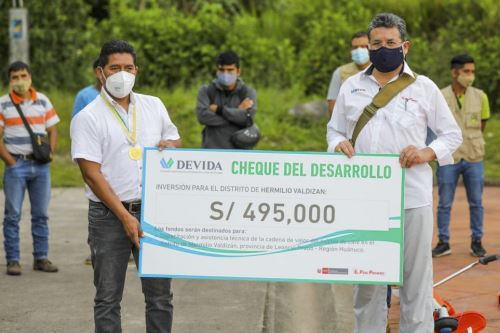Devida entrega módulos de procesamiento de cacao a dos organizaciones de Leoncio Prado