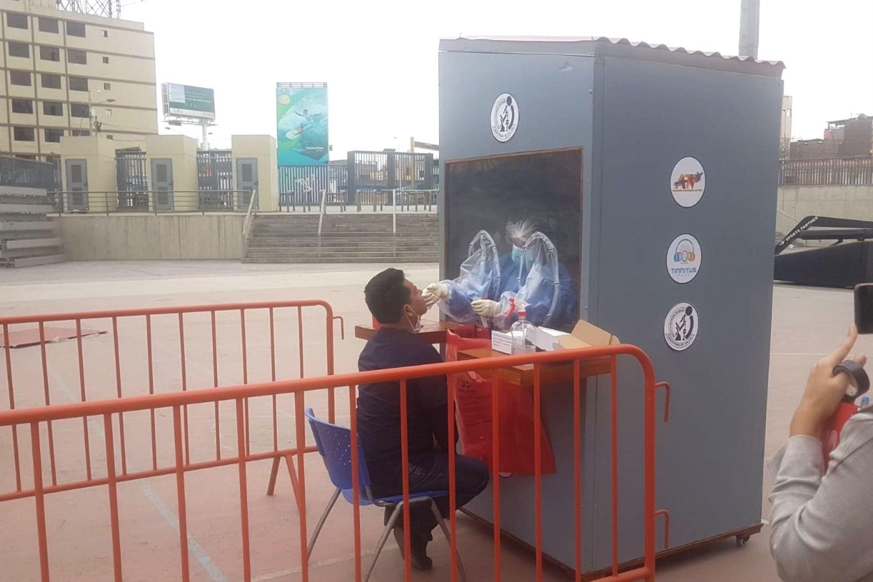 San Marcos: despliegan cabinas de bioseguridad para protección en pruebas covid-19. Foto: ANDINA/Difusión.