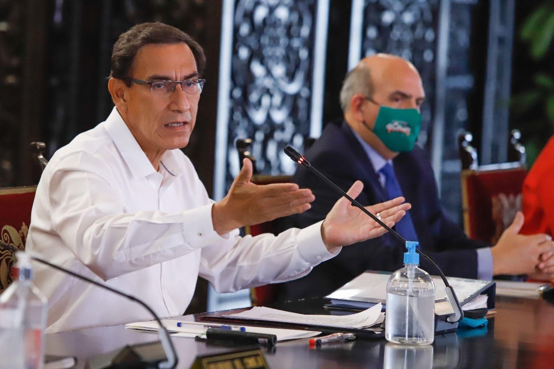 El presidente Martín Vizcarra y los miembros del gabinete ministerial, informan sobre las acciones del Ejecutivo y el Estado de Emergencia por el Covid-19. Foto: ANDINA/ Prensa Presidencia