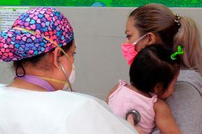 Niños también pueden tener accidentes que como consecuencia terminen en traumatismos o fracturas. Foto: ANDINA/INSN