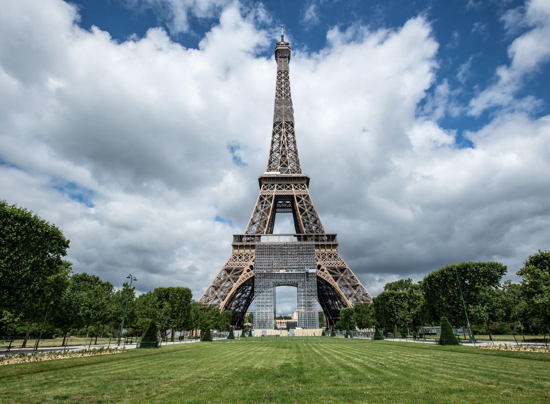 Torre Eiffel ofrecerá test de antígenos a la entrada del monumento