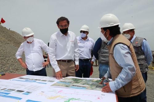 El presidente Martin Vizcarra, supervisa el avance de obras del Puente Grau de Piura