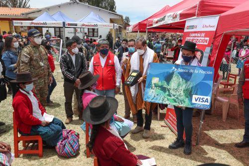 El presidente del Consejo de Ministros, Walter Martos, realizó visita de trabajo a la región Ayacucho