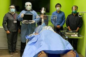 Equipo de investigadores de la UNSA elaboraron 50 kits de videolaringoscopia encapsulados de bajo costo. Foto: ANDINA/Difusión