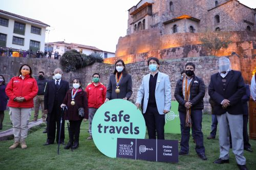 Ministra Rocío Barrios entregó el Sello Safe Travels a la ciudad del Cusco