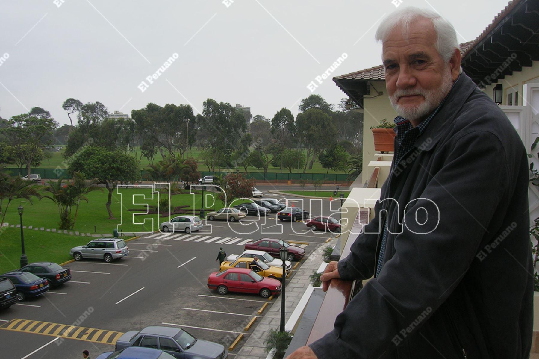 Lima -4 agosto 2006 / Entrevista al actor Ricardo Blume en el Country Club de San Isidro. Foto: Archivo Histórico de El Peruano