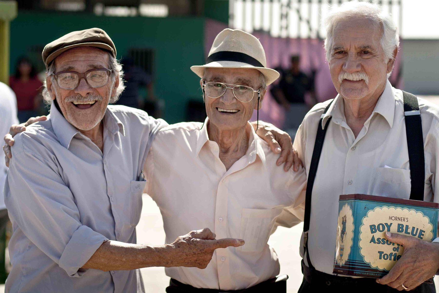 Lima - 2014 / Enrique Victoria, Carlos Gassols y Ricardo Blume, protagonistas de la película peruana  Viejos Amigos. Foto: Difusión