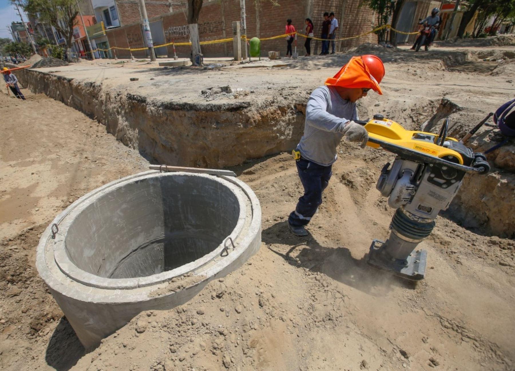 Diversas municipalidades de Arequipa recibieron un total de S/ 11.29 millones para ejecutar obras de agua y saneamiento. ANDINA/Difusión