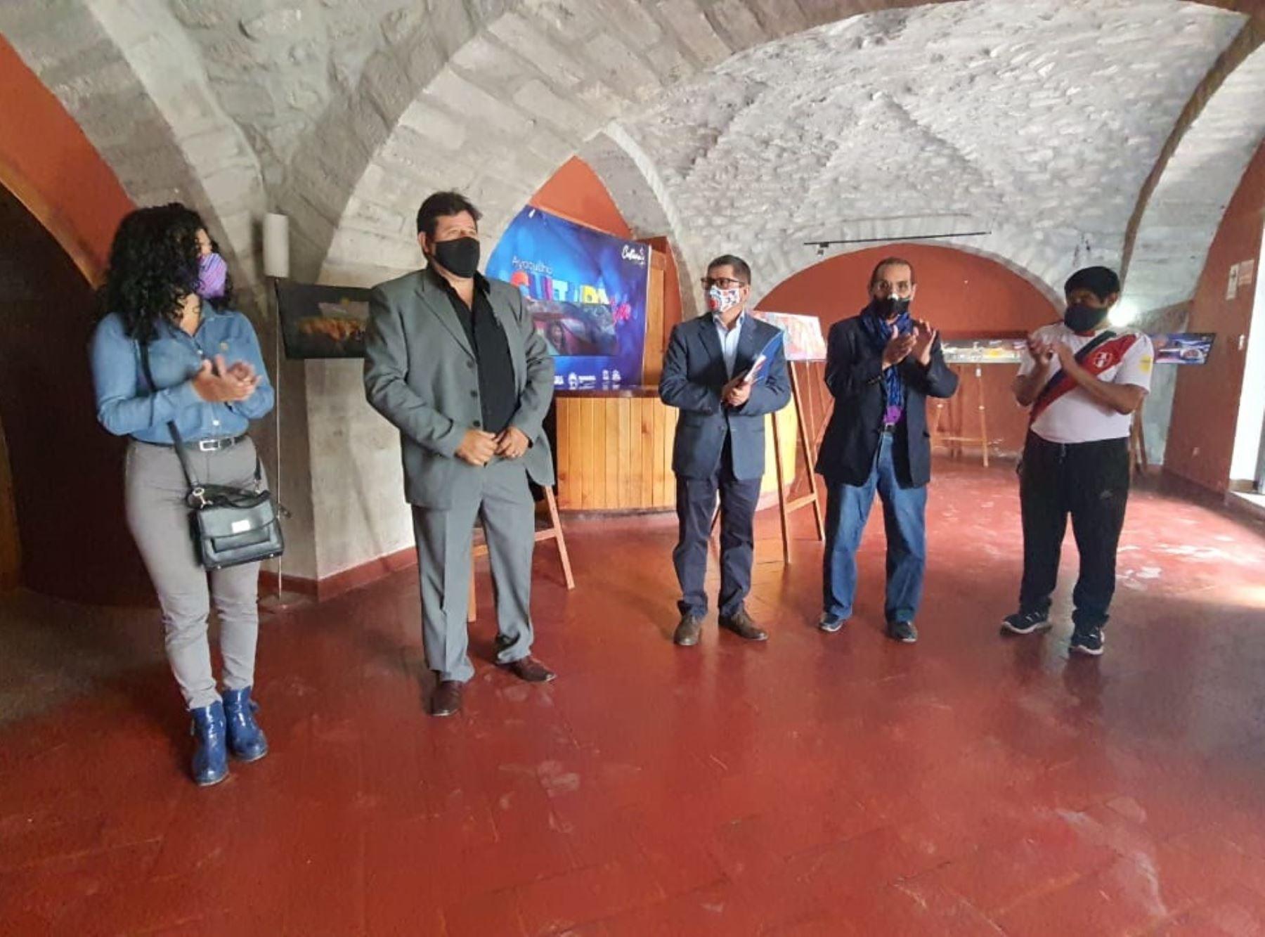 Con una exposición de pinturas y otras actividades la Municipalidad de Huamanga, en Ayacucho, inició las celebraciones por el Bicentenario de la Independencia. ANDINA/Difusión