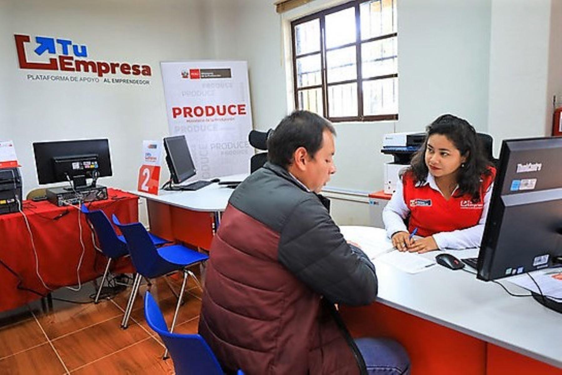 Módulo de atención al público del programa nacional Tu Empresa, en imagen de archivo. ANDINA/Difusión