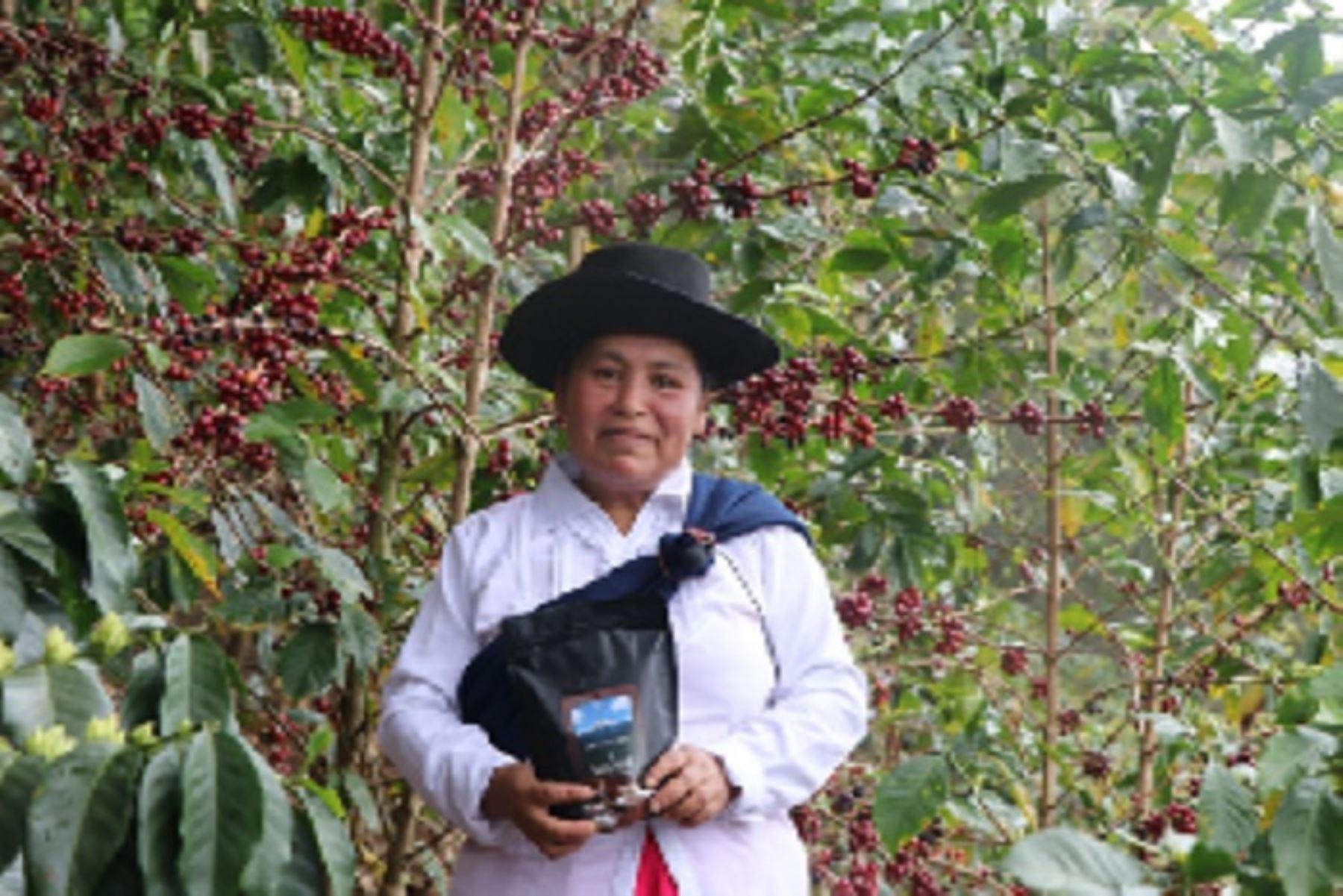 La caficultora Hilda Leguía Gonzales (40) se impuso a participantes de 10 regiones que presentaron 184 muestras.