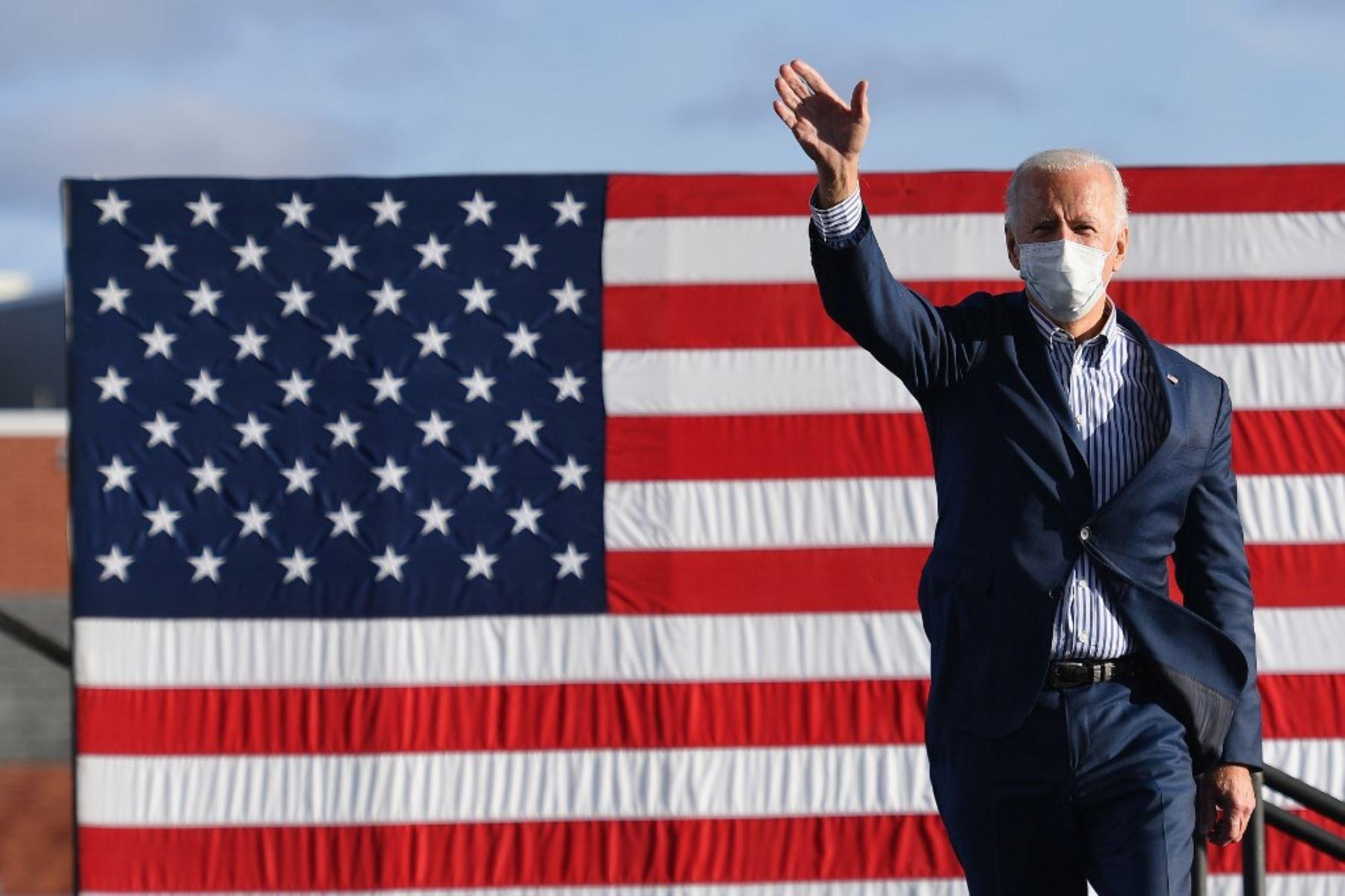 Biden lanza el mayor programa para combatir la pobreza en medio siglo
