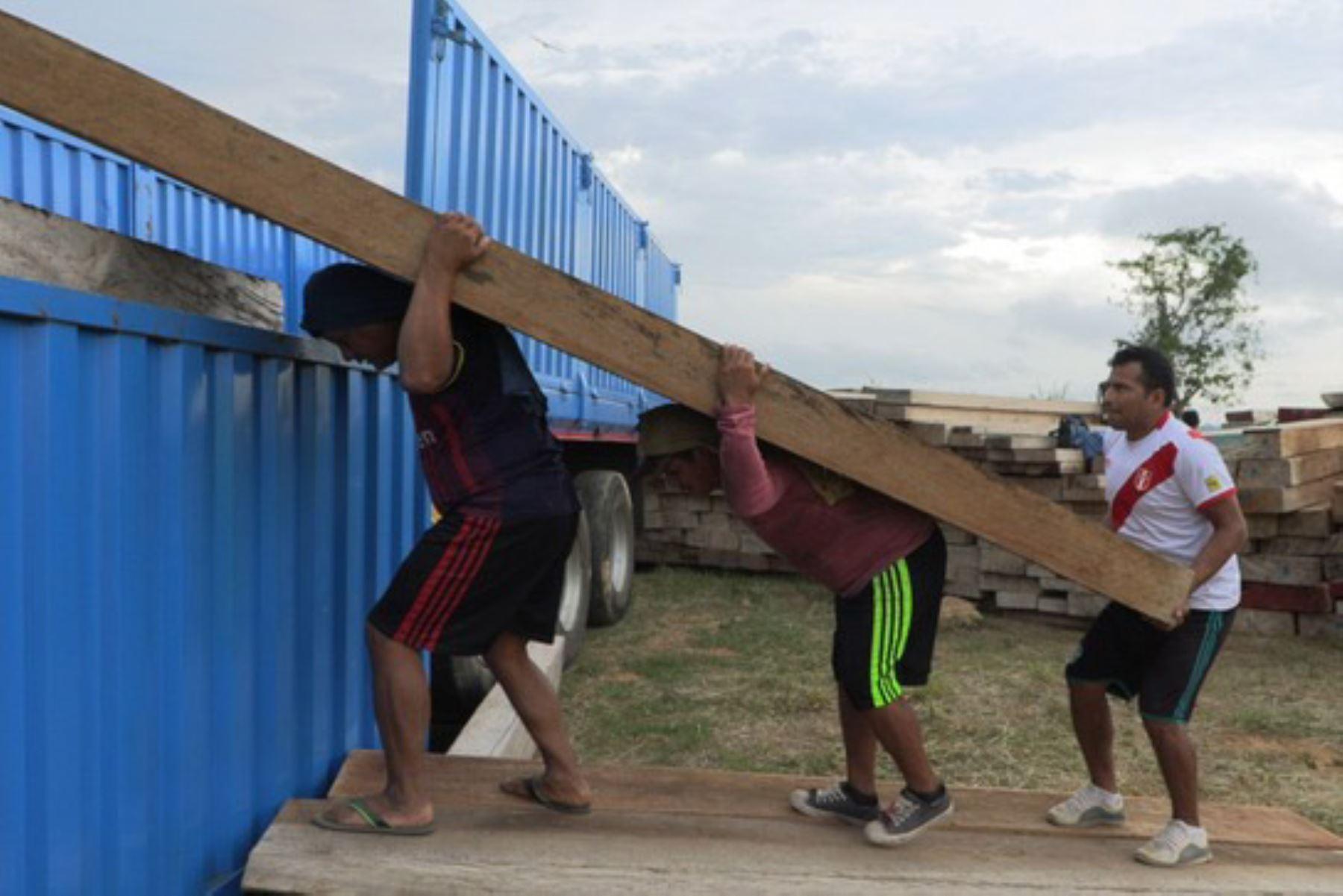 La Gerencia Regional Forestal y Fauna Silvestre de Madre de Dios donó madera a una municipalidad cusqueña. Foto: ANDINA/Difusión