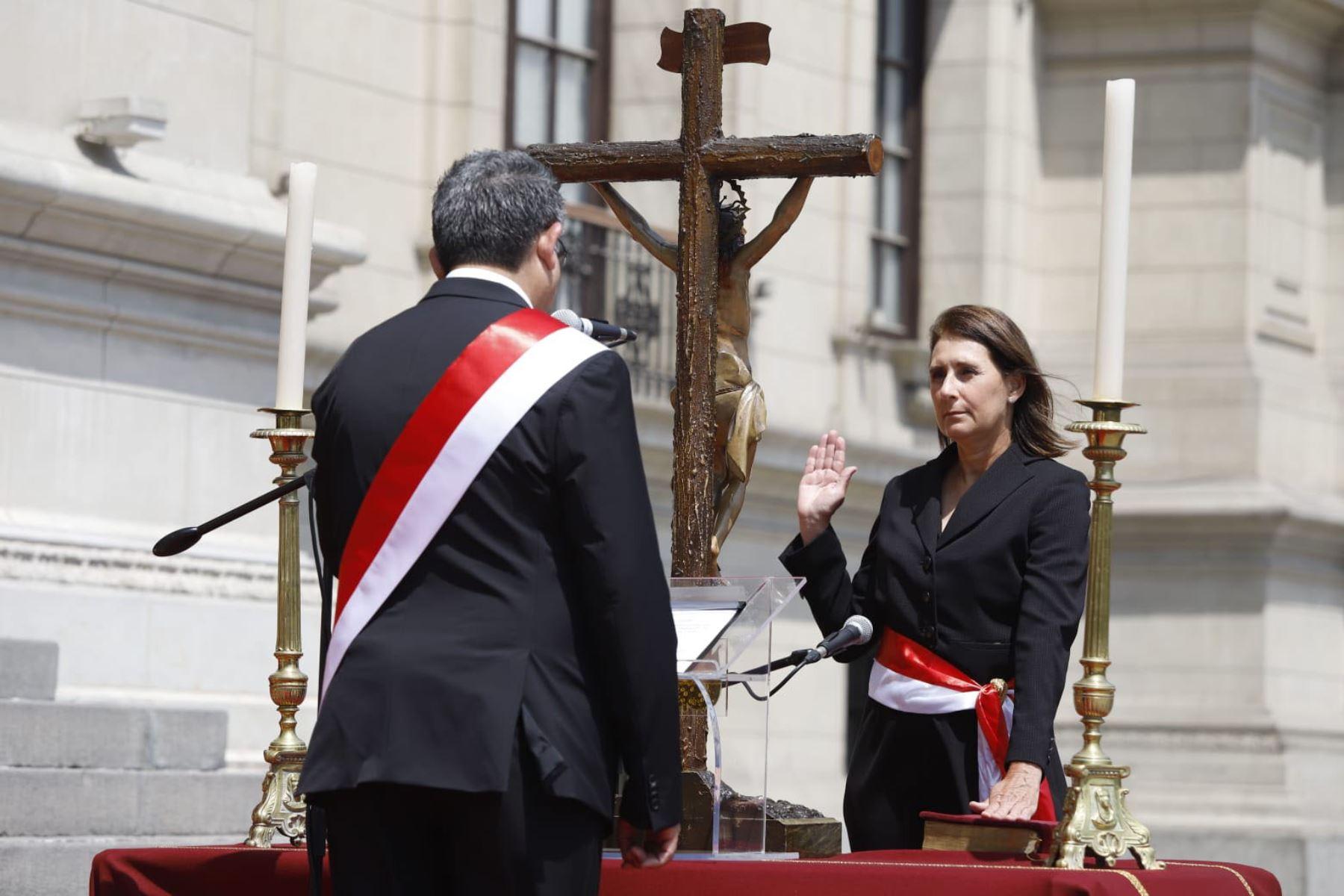 Patricia Teullet: conoce la hoja de vida de ministra de la Mujer y  Poblaciones Vulnerables | Noticias | Agencia Peruana de Noticias Andina