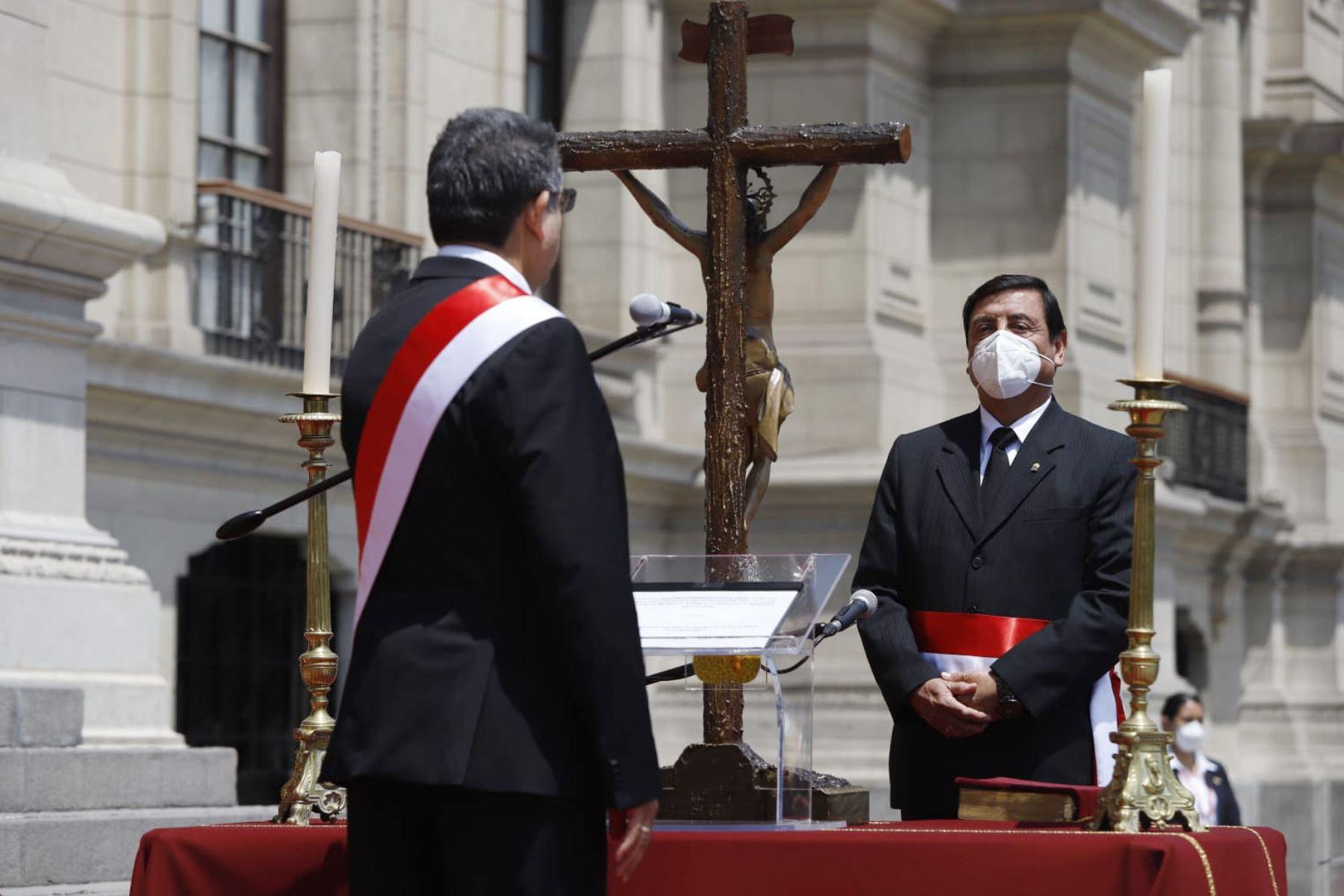 Walter Chávez Cruz jura como ministro de Defensa | Noticias | Agencia  Peruana de Noticias Andina