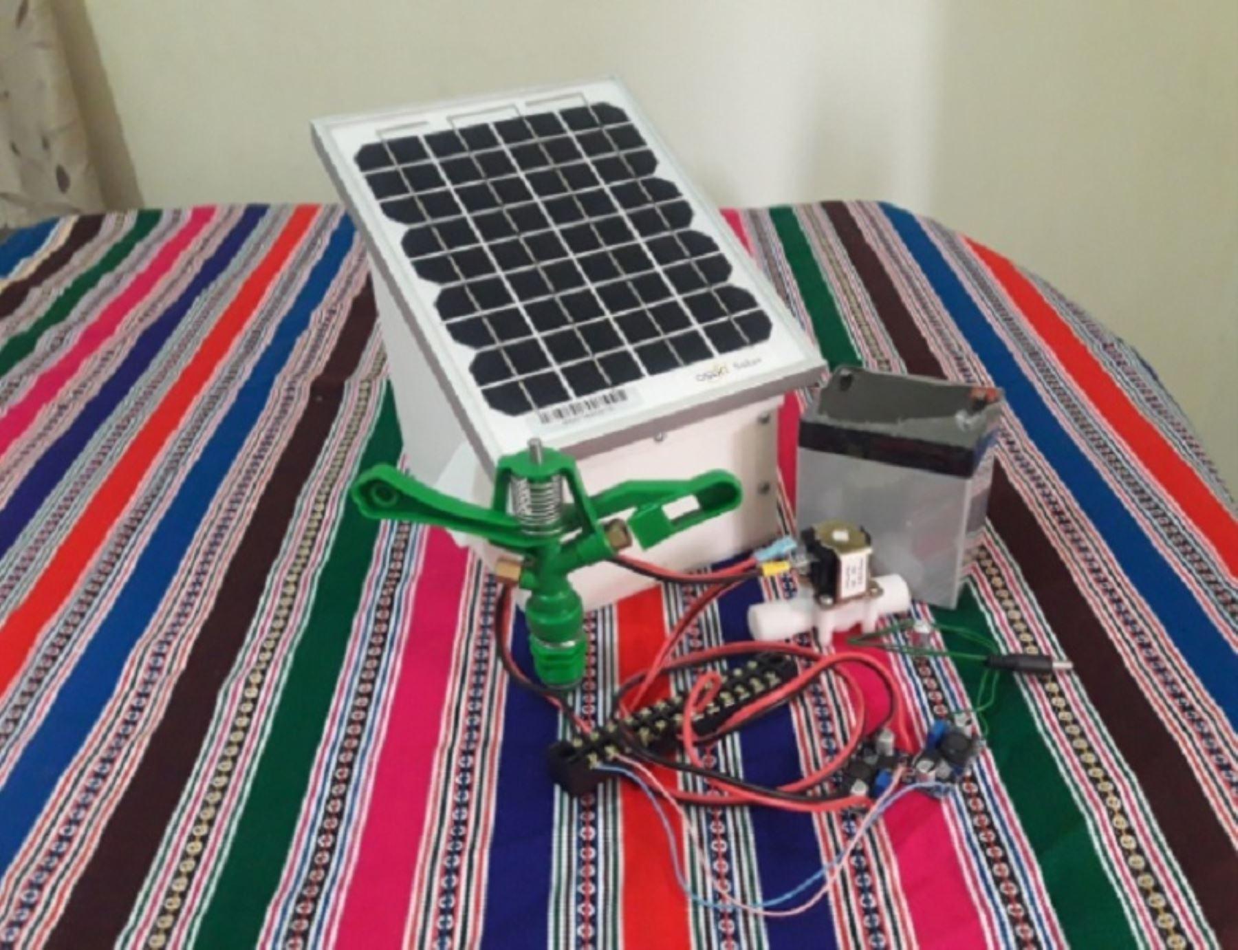 Puyuyacu es un dispositivo con sistema automatizado e inteligente capaz de crear un microclima superior a los 0 °C sobre los cultivos, evitando así los efectos devastadores de las heladas. Foto: UNMSM