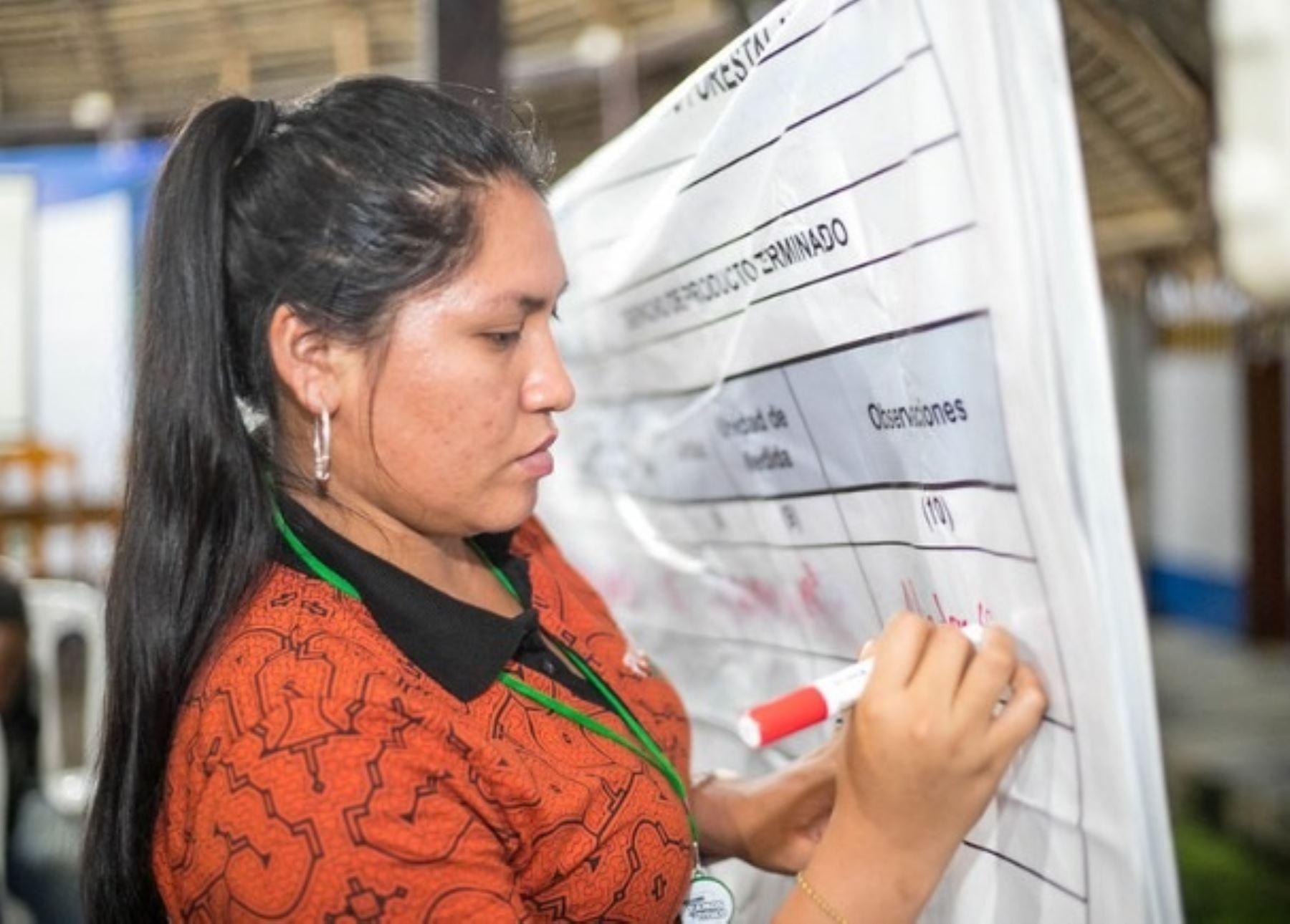 Serfor presenta estudio para poner en valor la participación de las mujeres en el sector forestal.