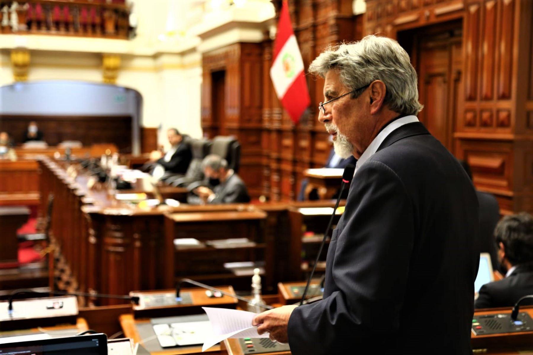 Congreso elige a Francisco Sagasti como presidente de Perú