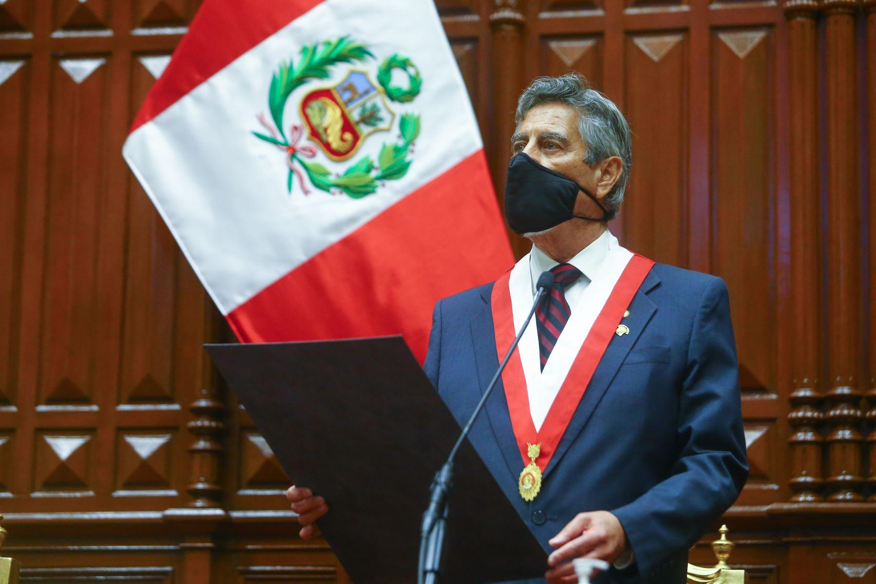 beca-presidente-de-la-republica-se-llamara-beca-generacion-del-bicentenario