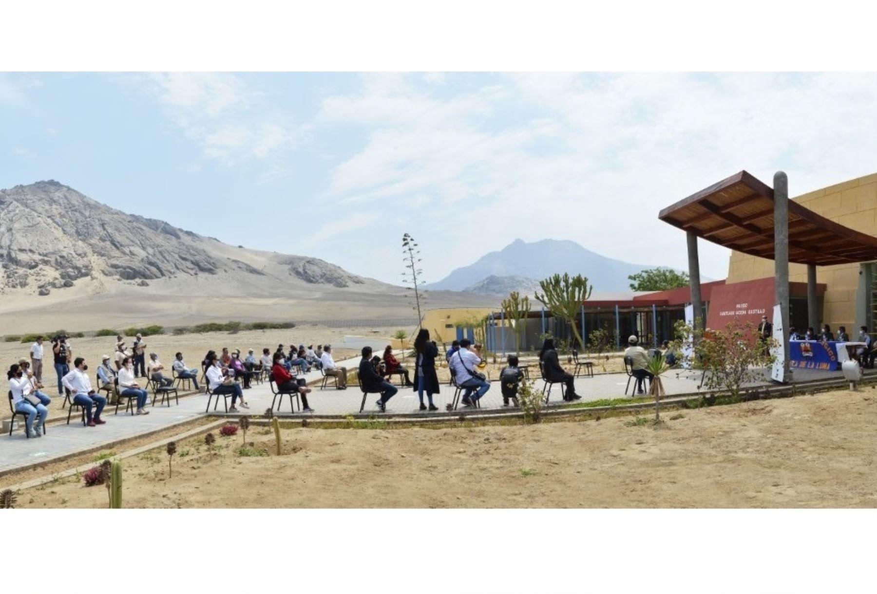 La huaca de la Luna, ubicada en la provincia de Trujillo, recibió 120 visitantes tras el reinicio de la actividad turística en dicho sitio arqueológico que reabrió sus puertas el 12 de noviembre.