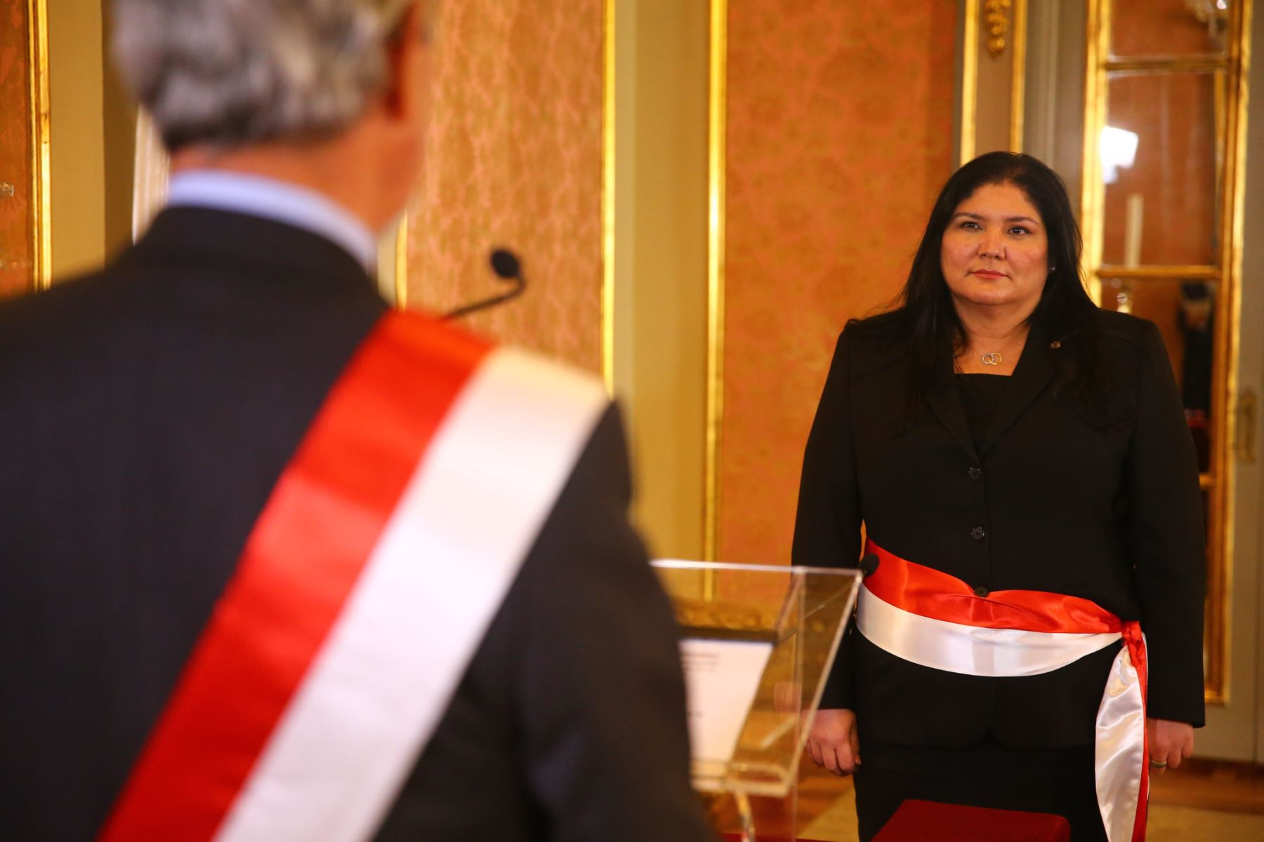 conoce-el-perfil-nuria-esparch-la-primera-ministra-de-defensa-del-peru