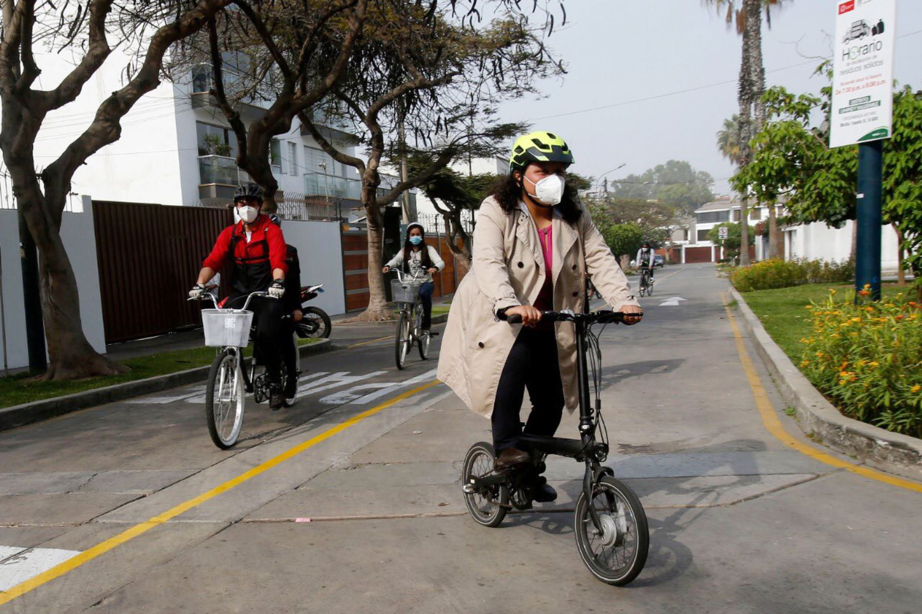 La población podrá salir de sus viviendas a pie o en bicicleta, pero no podrá circular en autos particulares. Foto: ANDINA/difusión.
