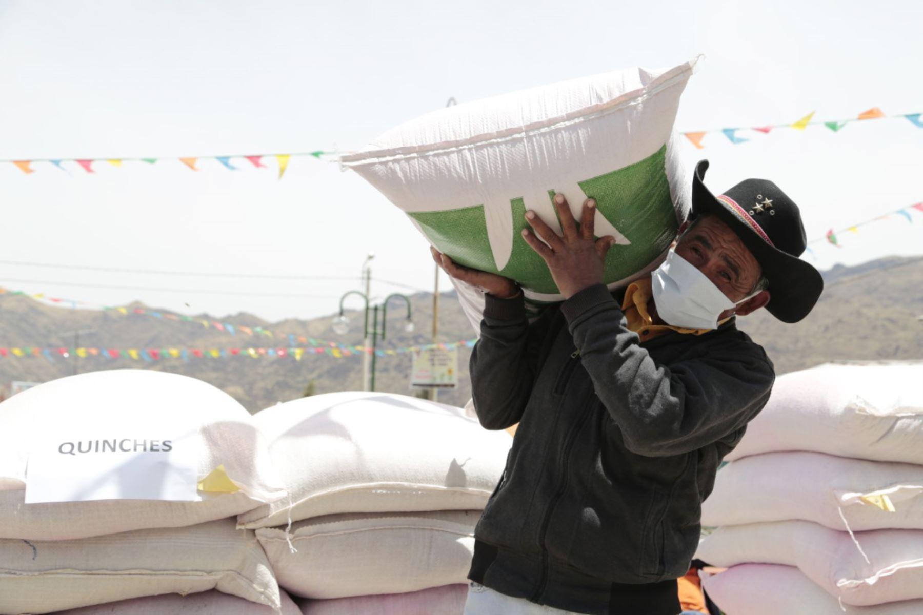 Agro Rural ha destinado un total de 1´366 484 millones de soles para la ejecución de esta campaña 2020-2021; con ello se prevé dinamizar la economía local, sobre todo en las pequeñas comunidades de las provincias. Foto: Minagri