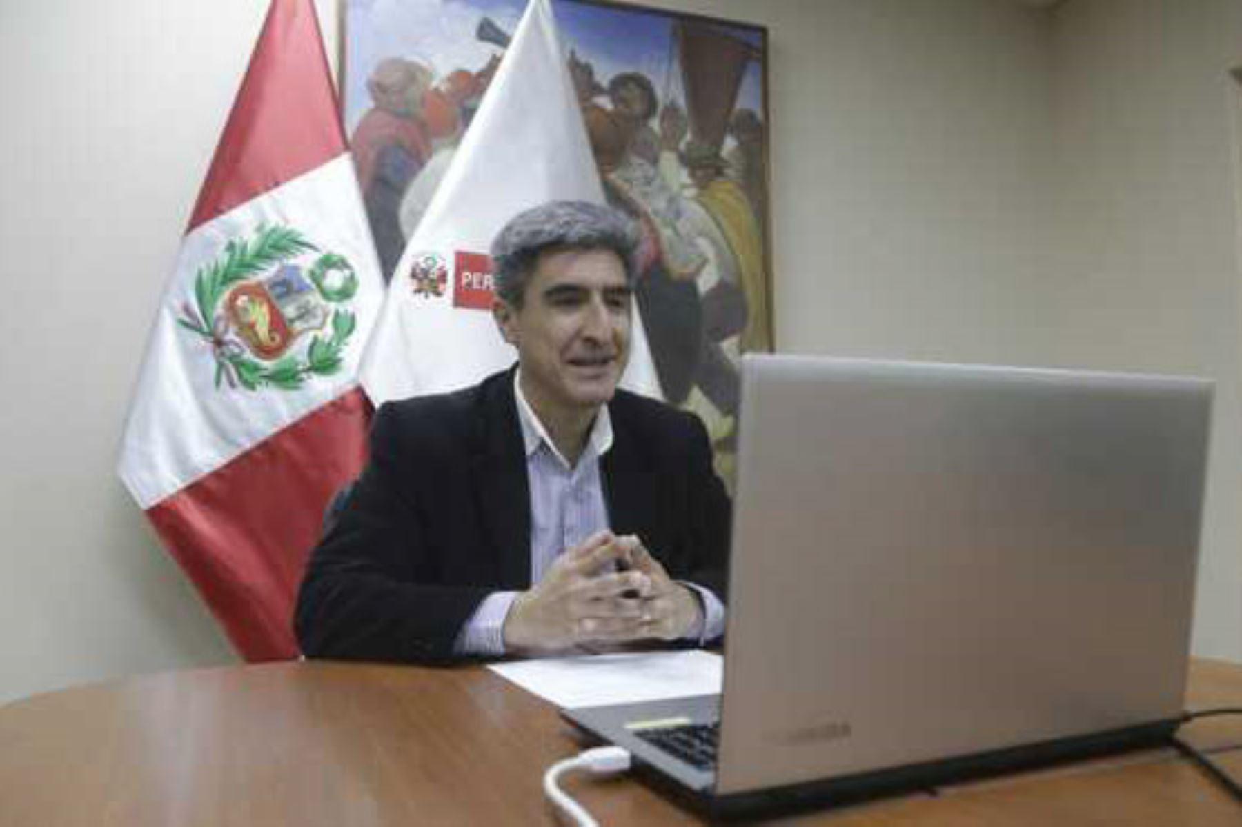 El ministro de Cultura, Alejandro Neyra, inauguró la Feria del Libro de Cajamarca. Foto: ANDINA/Difusión