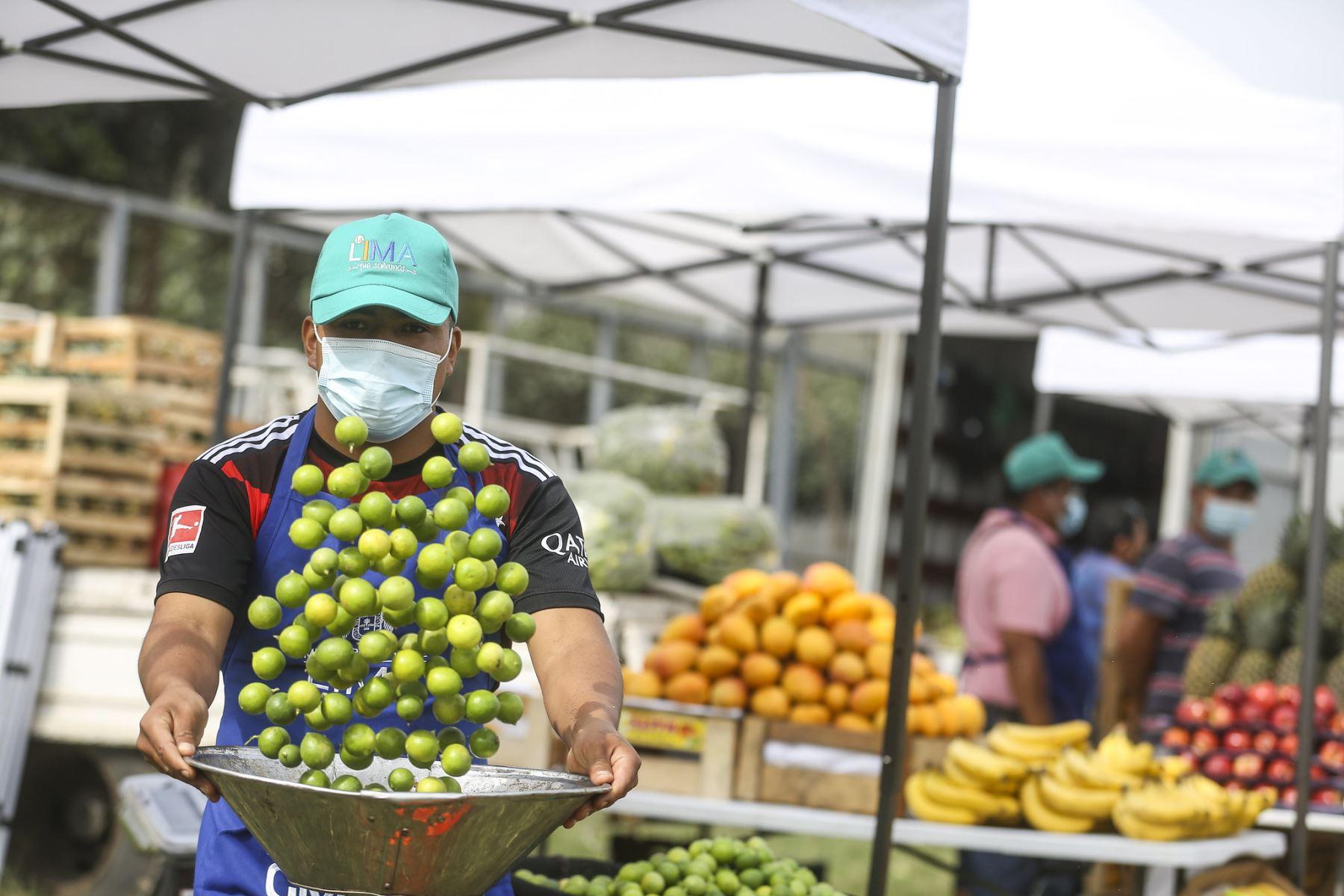 Municipalidad Metropolitana de Lima presenta mercado mayorista móvil en Los Olivos. Foto: MML