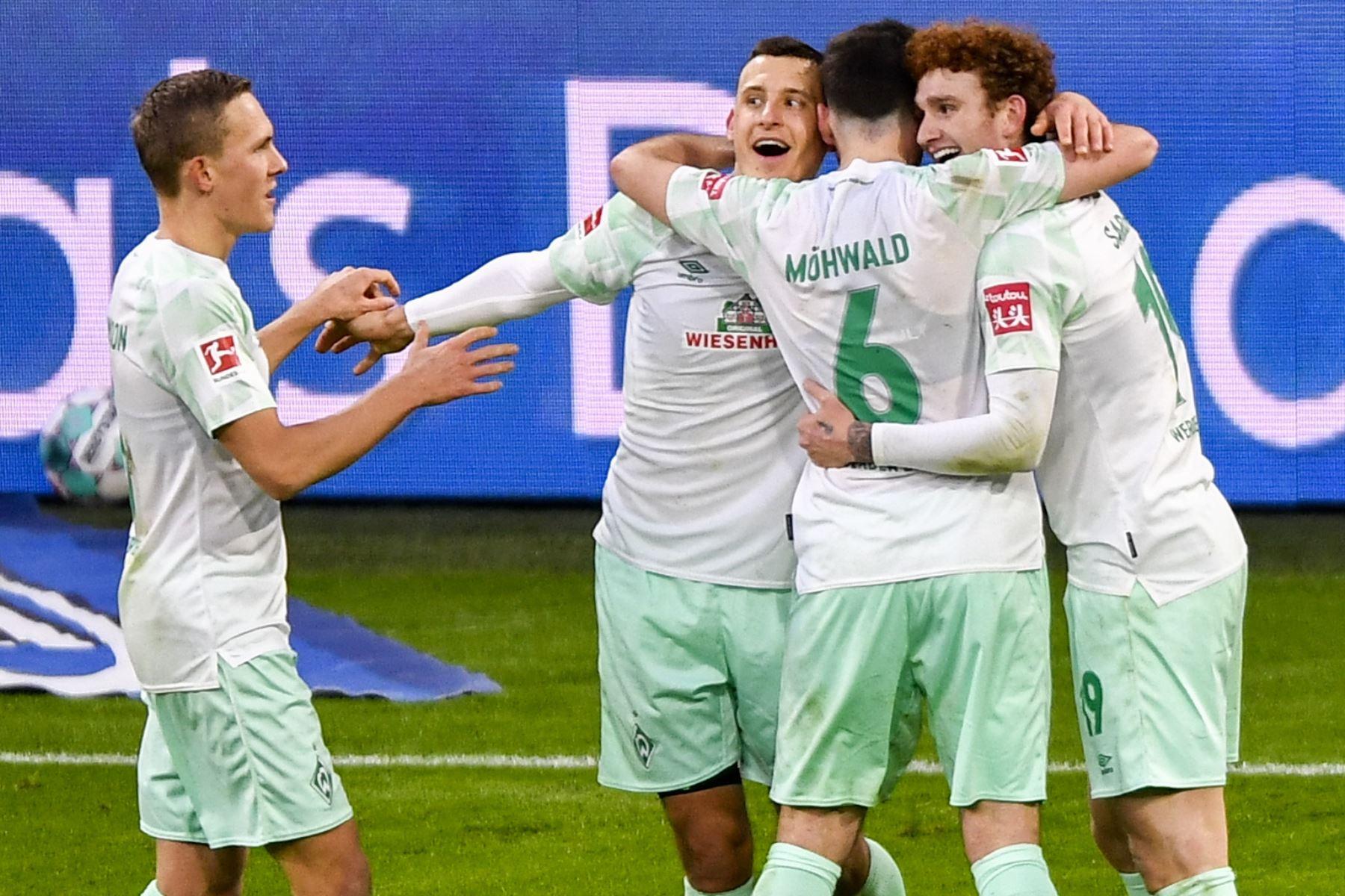 Los jugadores del Bremen celebran el 0-1 durante el partido de fútbol de la Bundesliga. Foto: AFP